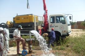 写真3.揚水試験の様子