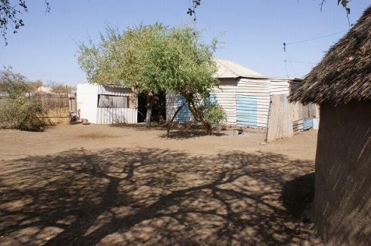 写真12.給水を受けている民家の様子